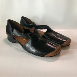 Antonio Melani Cross Strap Low Sandal Heels 10M